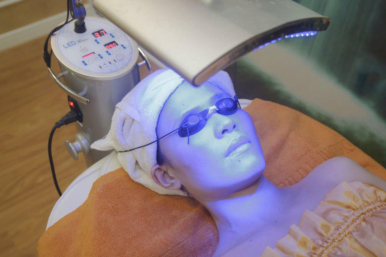 phương pháp trị mụn ở mũi