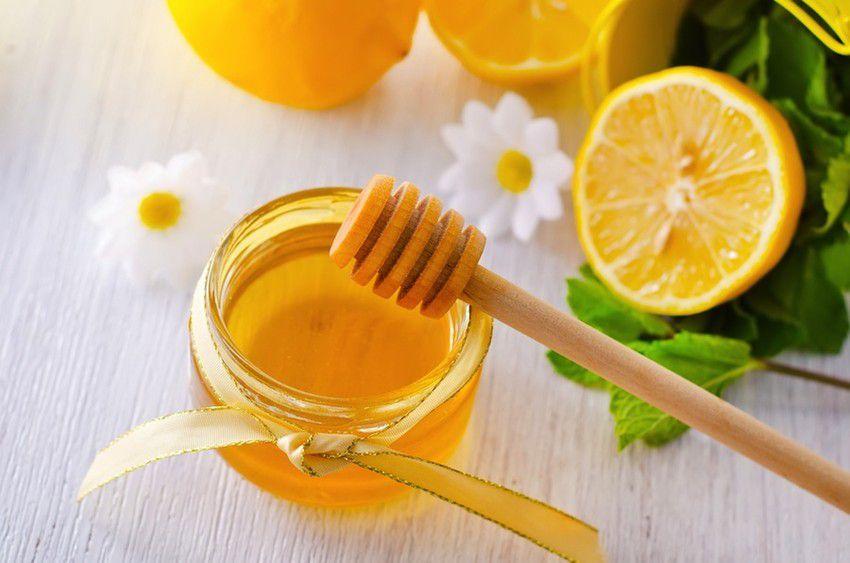 Xóa tàn nhang bằng mật ong
