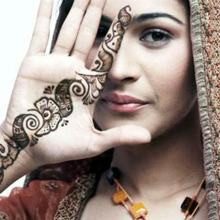 xóa hình xăm henna