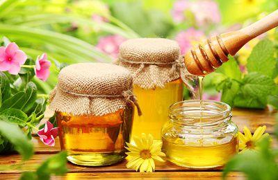 Làm trắng da sạch mụn với mật ong