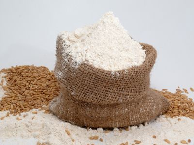 Làm trắng da bằng cám gạo