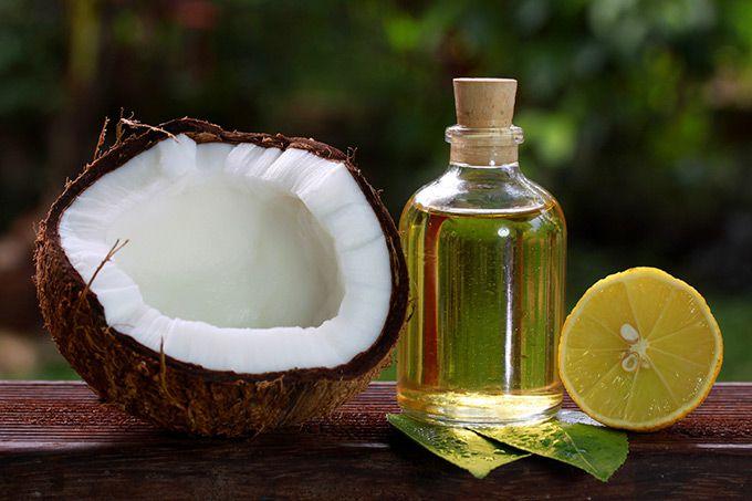 Làm trắng da bằng dầu dừa