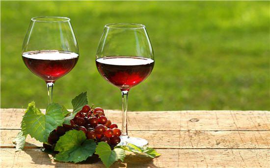 Làm trắng da bằng rượu