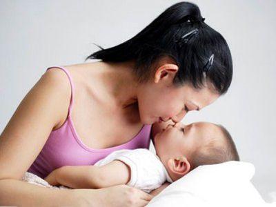 Làm trắng da sau khi sinh em bé
