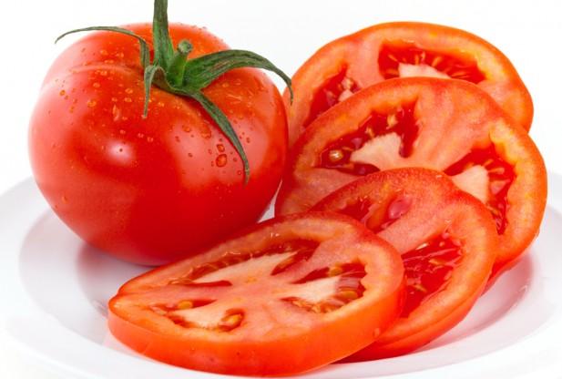Da sáng láng mịn với cà chua