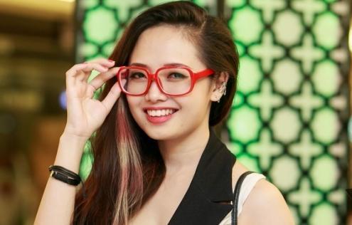 Ngỡ ngàng nhan sắc trẻ trung của MC Ngọc Trang