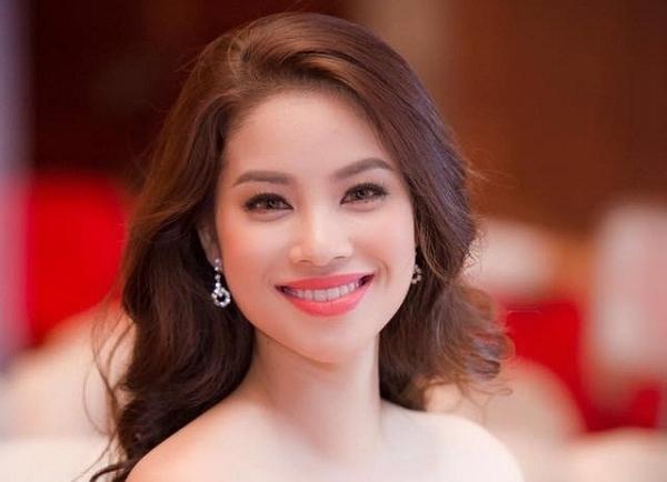 Bí quyết vẽ lông mày vòng cung đẹp như HH Phạm Hương