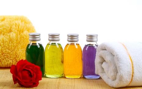 Tự chế kem dưỡng ẩm tại nhà an toàn, ít tốn kém