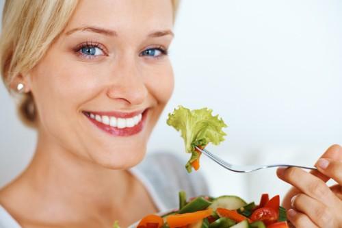Detox salad giảm cân đẹp dáng mới lạ, bạn đã thử chưa?