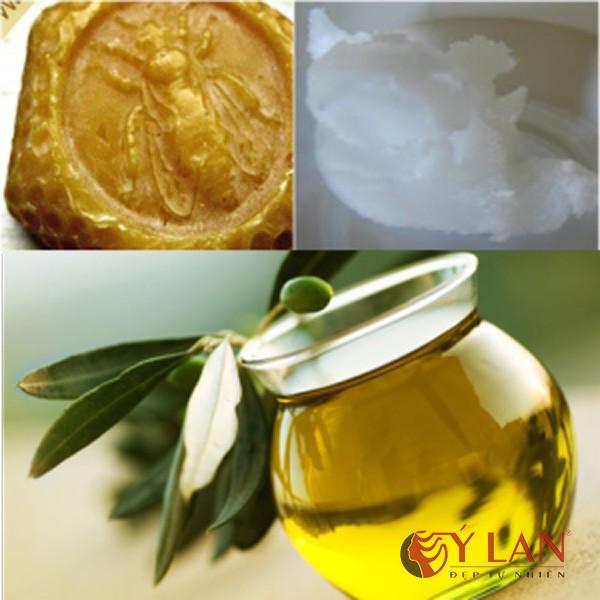 trị môi thâm bằng dầu dừa