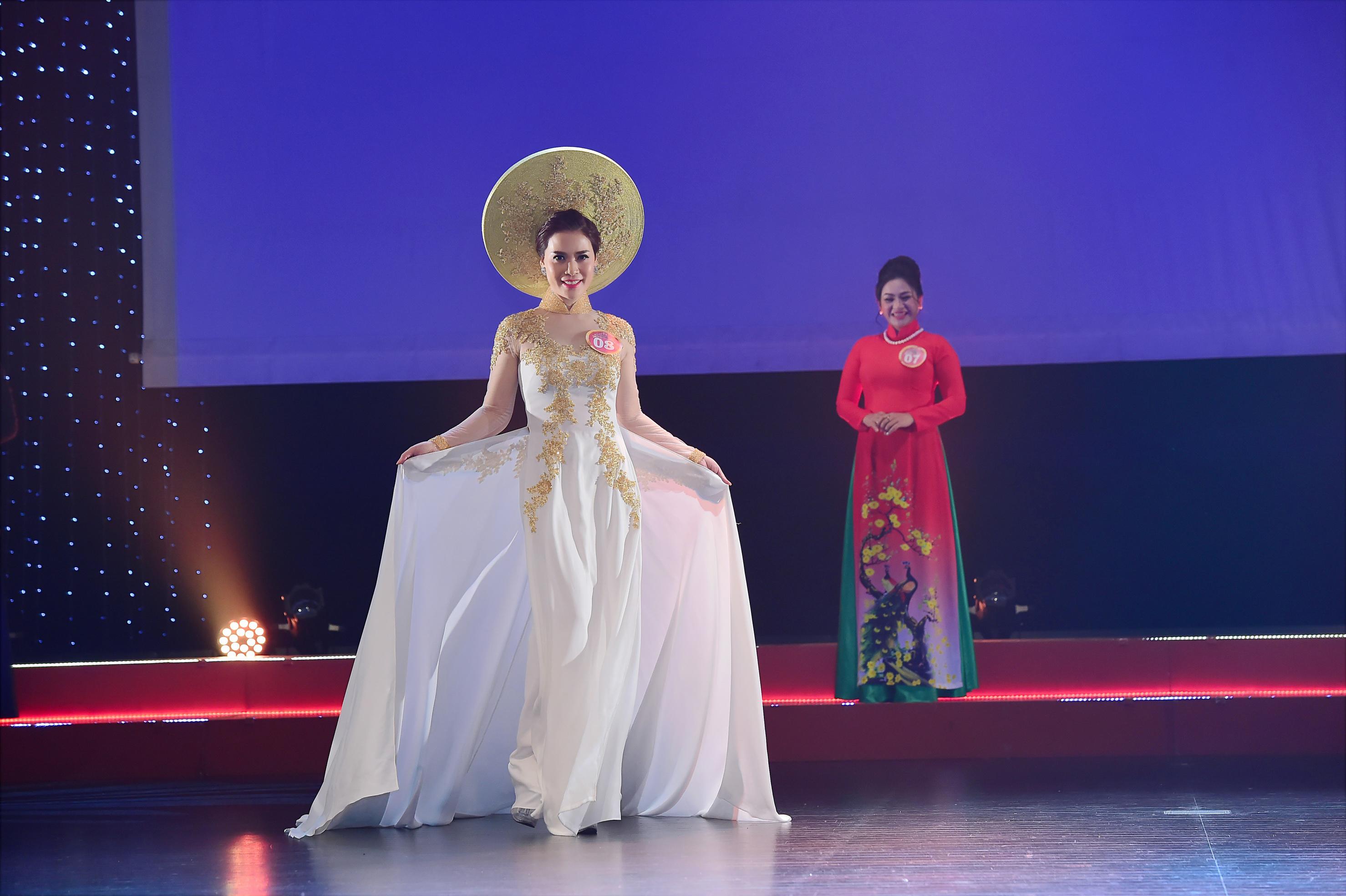 Ngỡ ngàng nhan sắc đẹp nao lòng của Á Hậu 1 – Hoa hậu Doanh Nhân Châu Á Trần Ngọc Lan