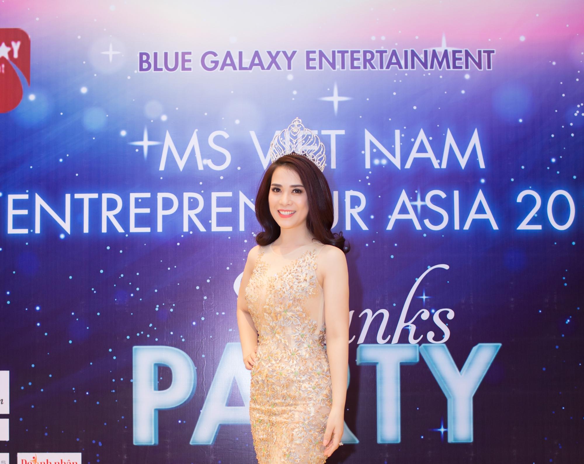 Á hậu Trần Ngọc Lan từ Hà Nội vào tham dự Thanks Party
