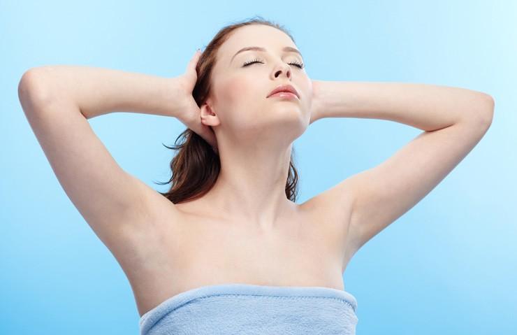 Cách làm sáng vùng da dưới cánh tay để bạn tự tin tỏa sáng