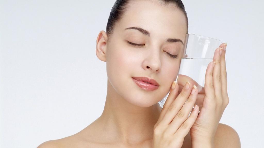 Chăm sóc da mụn mùa đông như thế nào hiệu quả?