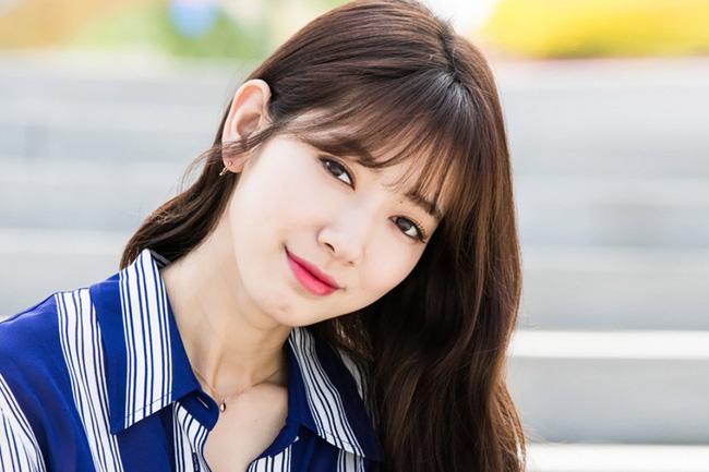 Cấy màu môi Hàn Quốc có bền hơn so với phun môi thường không?