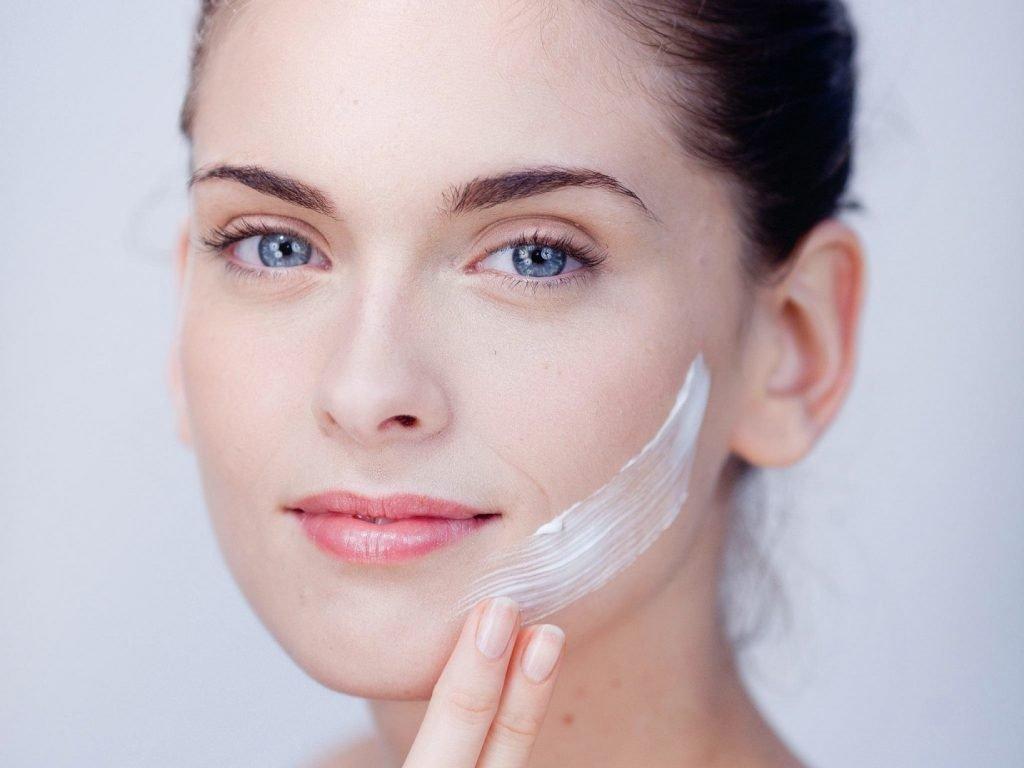 Cần chăm sóc da như thế nào sau khi tắm trắng?