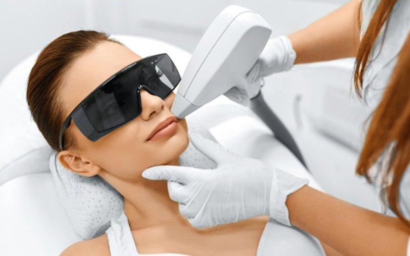 Chuyên gia lý giải vì sao bạn nên triệt lông bằng tia laser mới hiệu quả