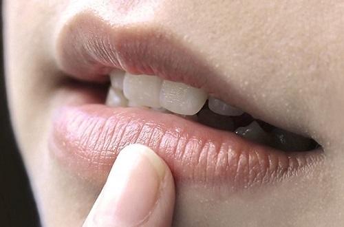 Khắc phục tình trạng phun môi không lên màu