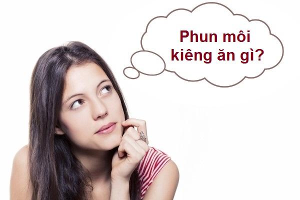 Phun_moi_can_kieng_gi_de_len_mau_dep_tu_nhien?